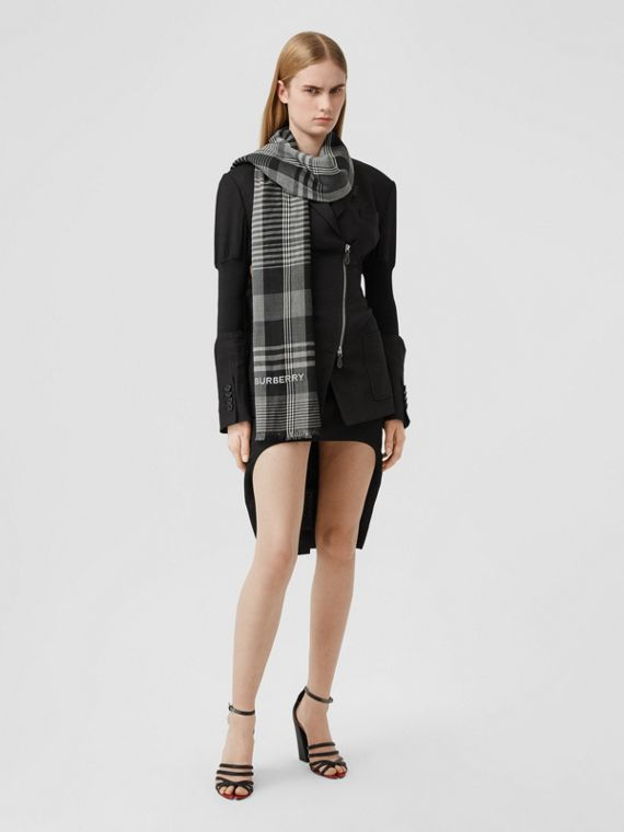 Logo Embroidered Lightweight Check Cashmere Scarf in Black/white