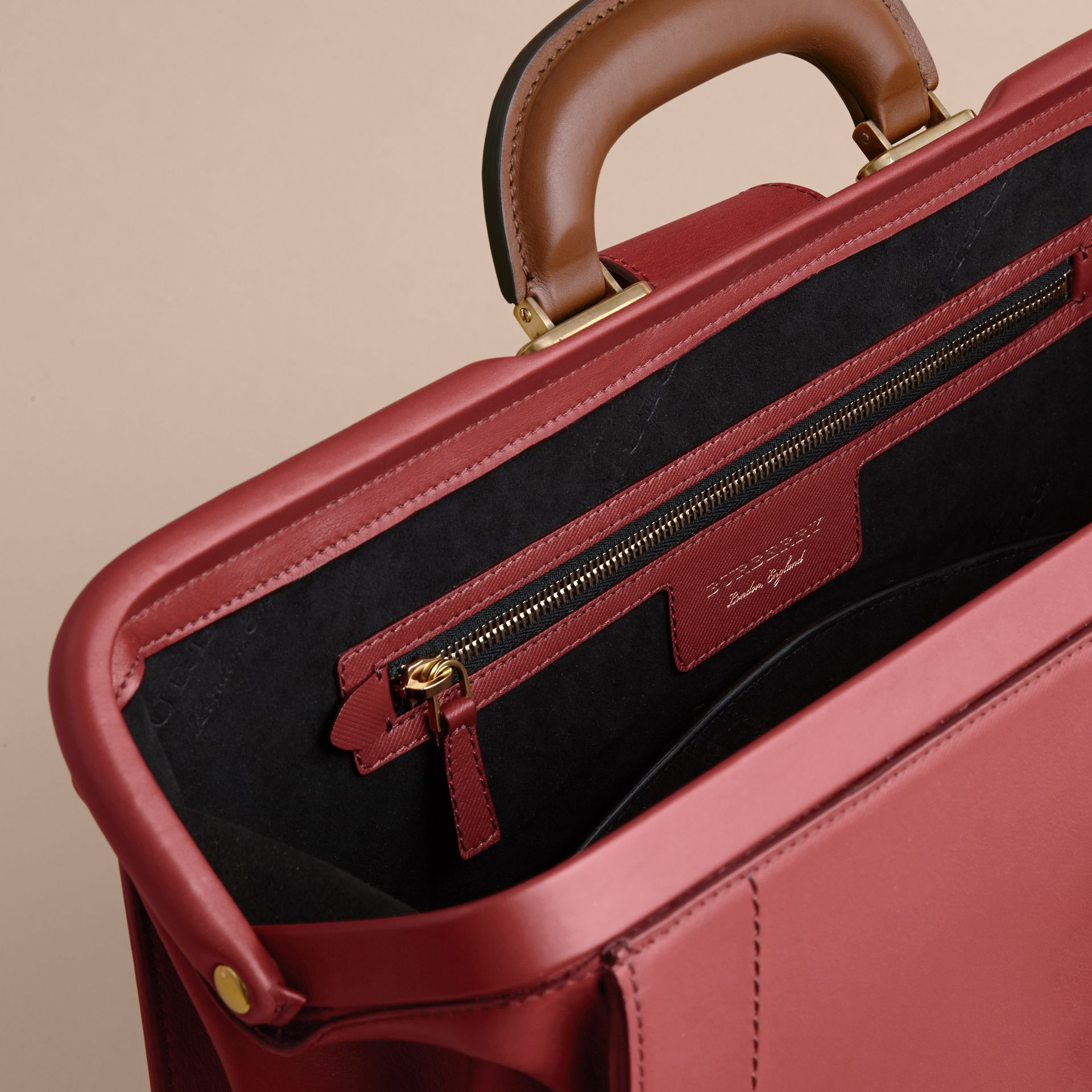 The DK88 Doctor's Bag Antique Red - gallery image 6