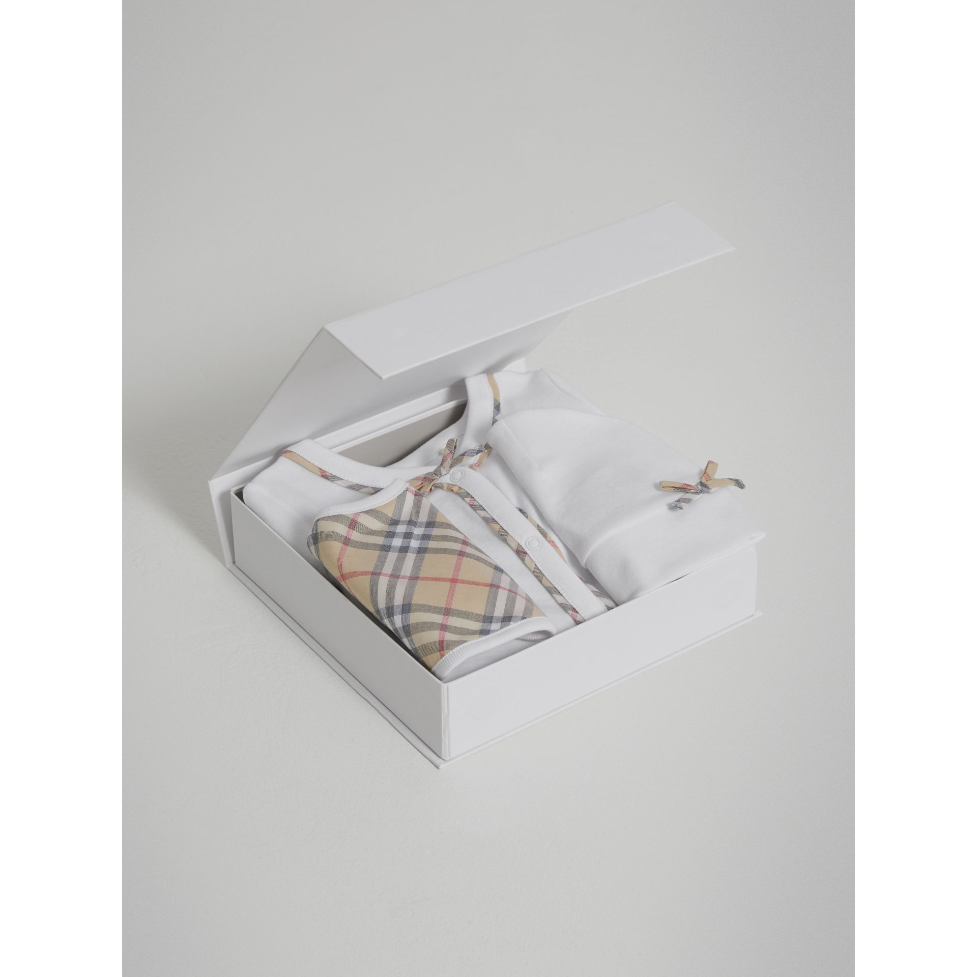 Check Cotton Three-piece Baby Gift Set in White | Burberry - gallery image 2