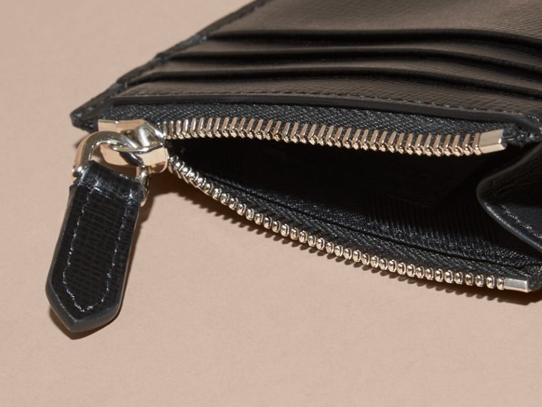 London Leather Zip-top Card Case in Black | Burberry - cell image 4