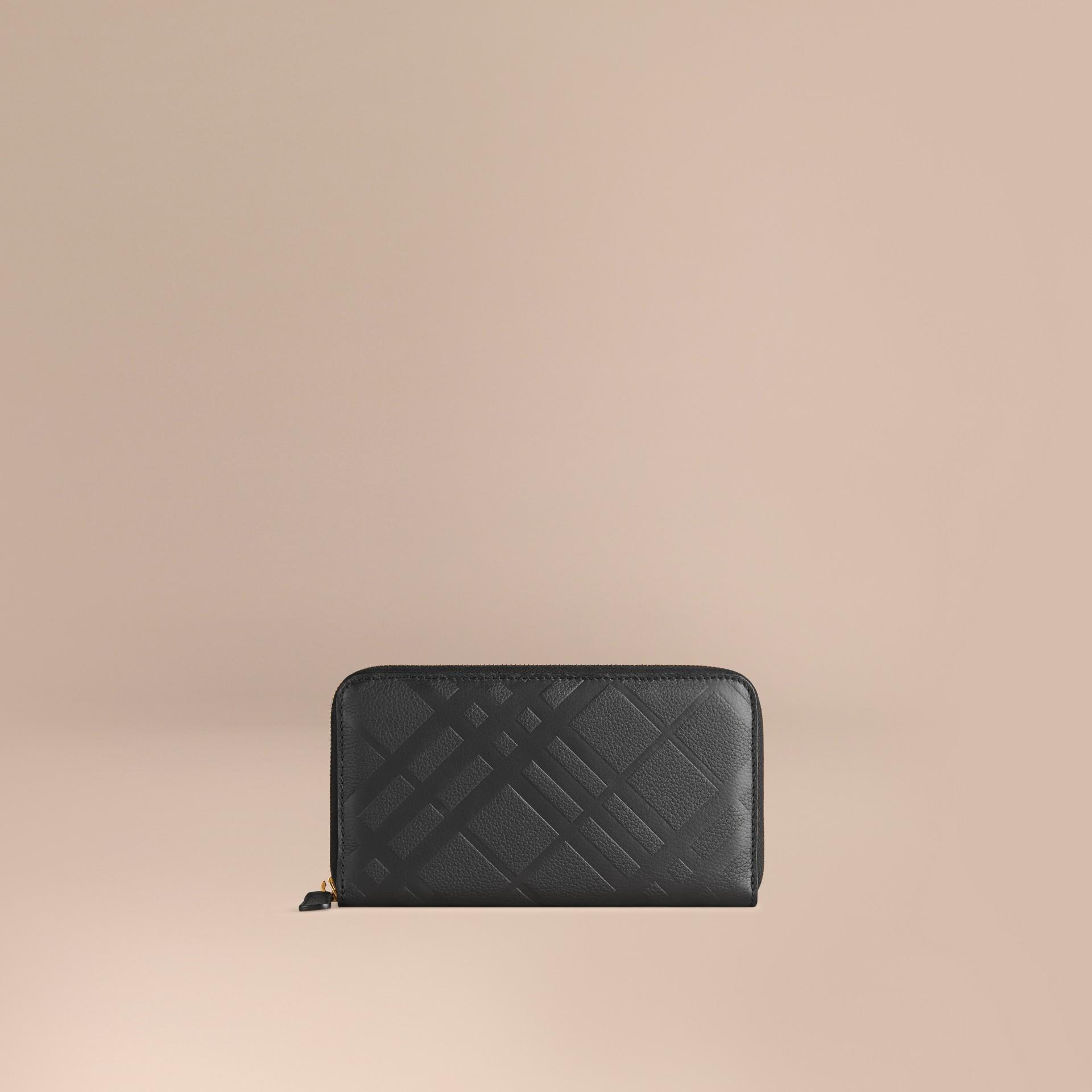 Noir Portefeuille à contour zippé en cuir à motif check estampé Noir - photo de la galerie 1