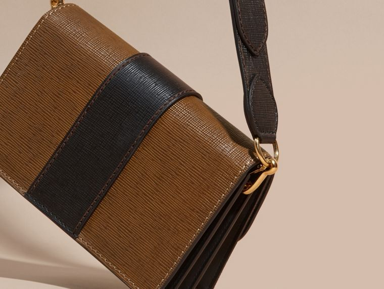 The Medium Buckle Bag in House Check and Textured Leather Tan/black - cell image 4