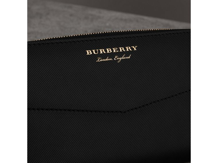 Trench Leather Ziparound Wallet in Black - Women | Burberry United States - cell image 1