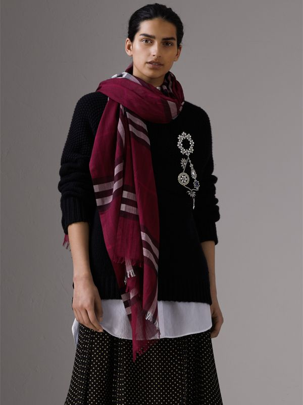 Lightweight Check Wool and Silk Scarf in Plum | Burberry - cell image 2