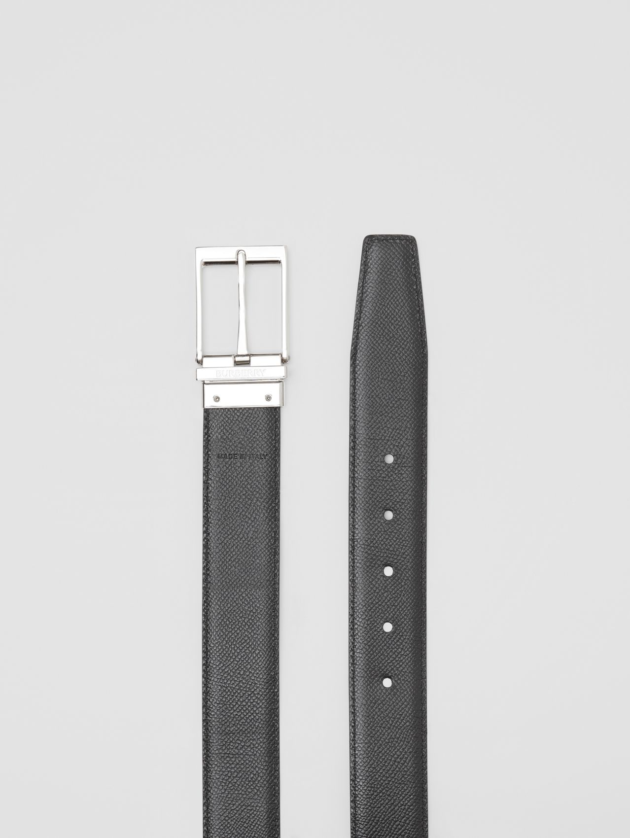 Reversible Grainy Leather Belt in Black/chocolate