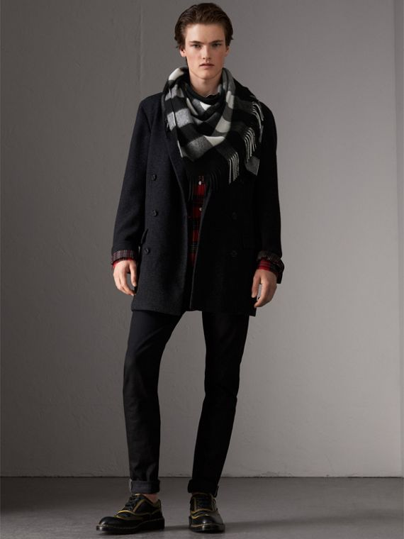 The Burberry Bandana in Check Cashmere in Black | Burberry United Kingdom - cell image 3