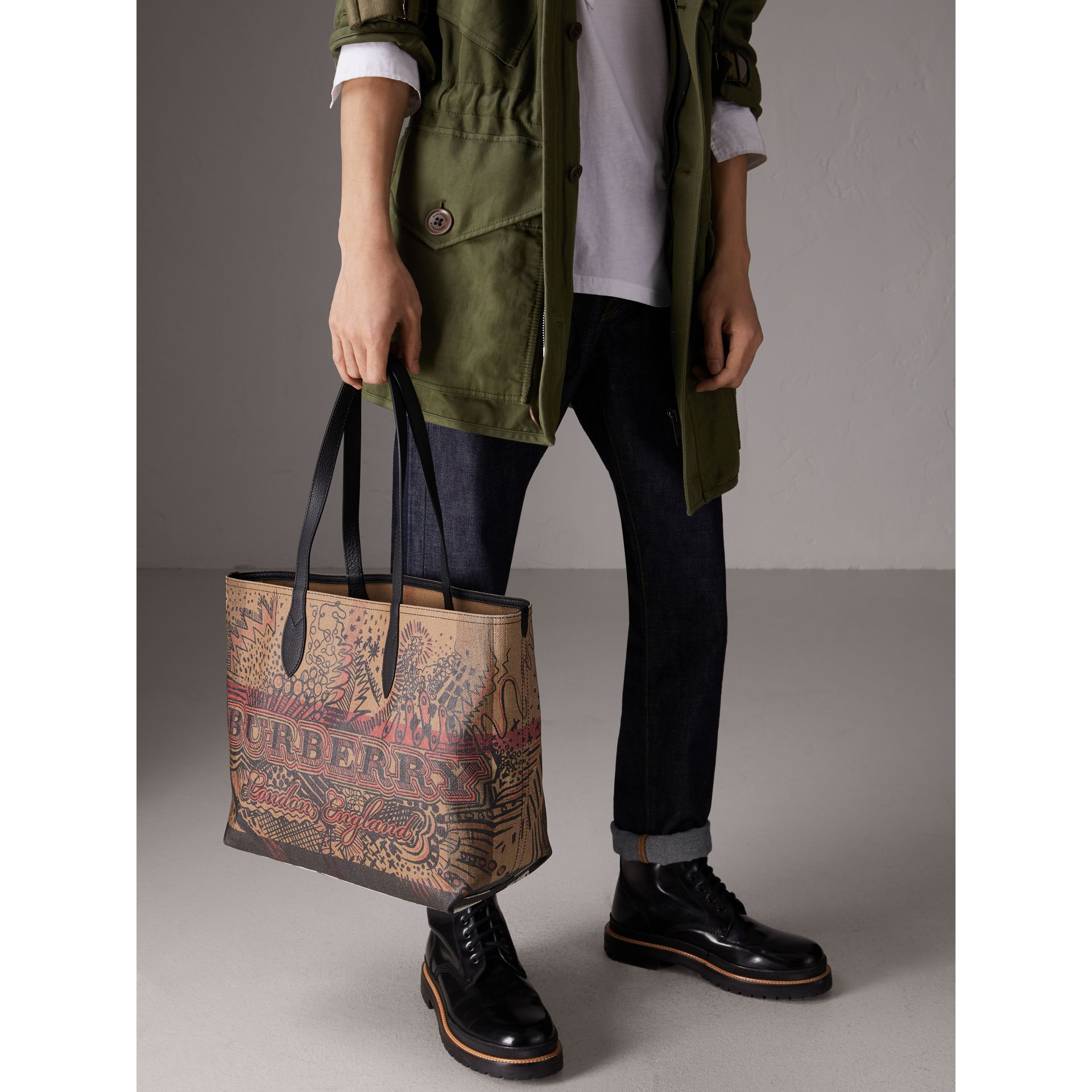 The Medium Doodle Tote in wendbarem Design (Classic Check) | Burberry - Galerie-Bild 5