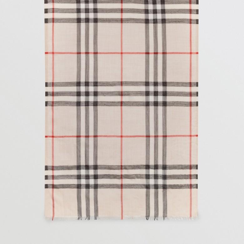 Burberry - Écharpe légère en laine et soie à motif check - 7