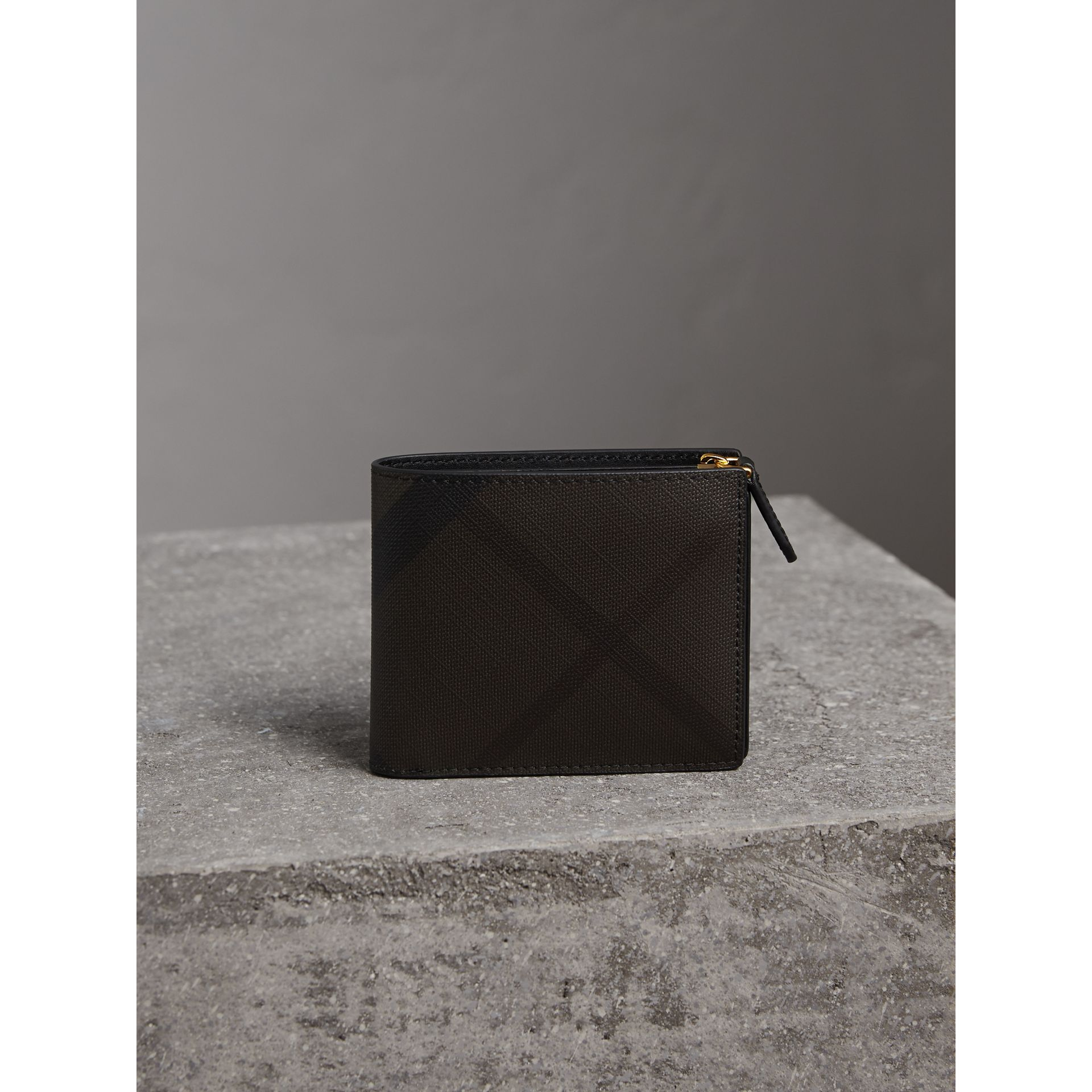 London Check International Bifold ID Coin Wallet in Chocolate/black - Men | Burberry - gallery image 5