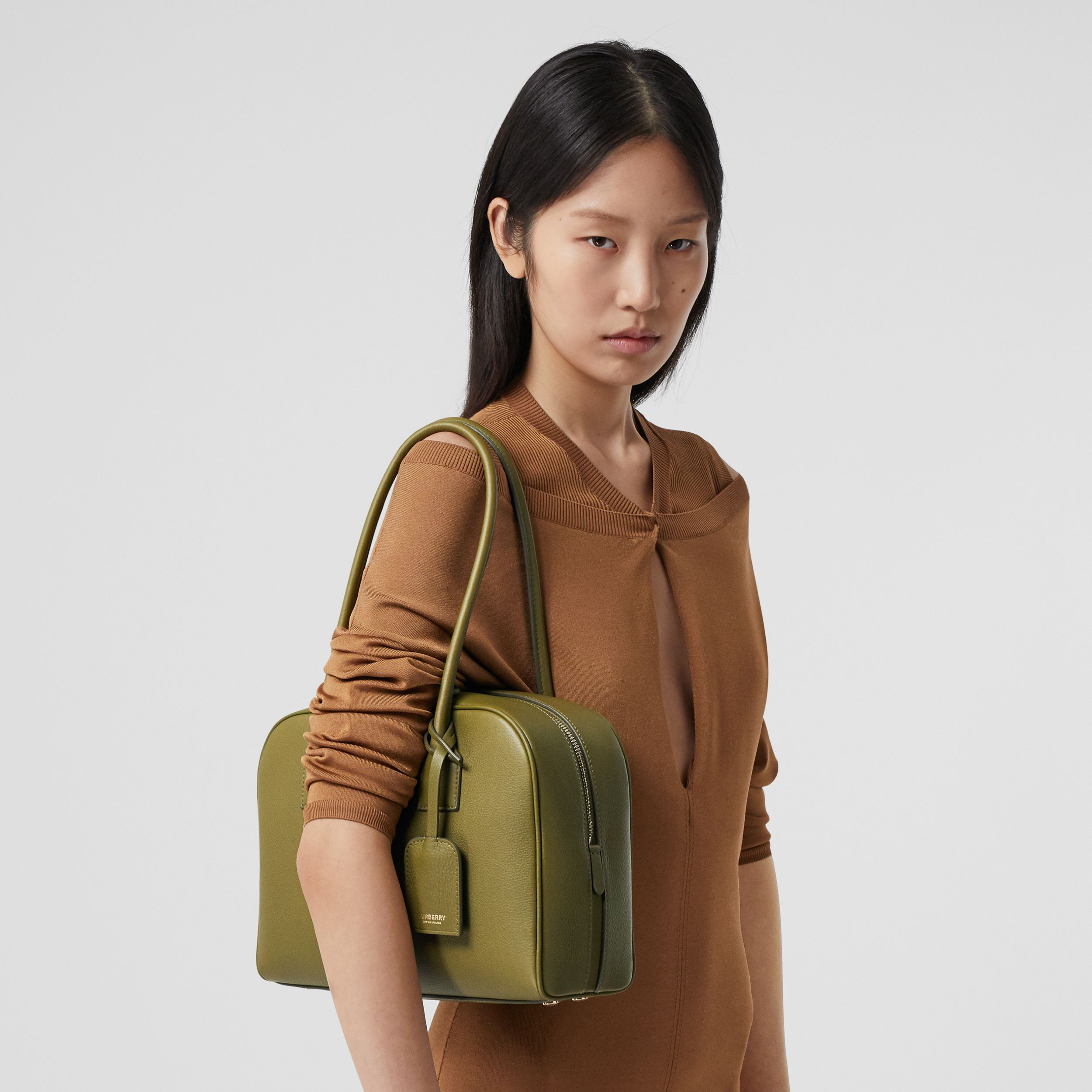Medium Leather Half Cube Bag in Juniper Green - Women | Burberry Singapore - 3