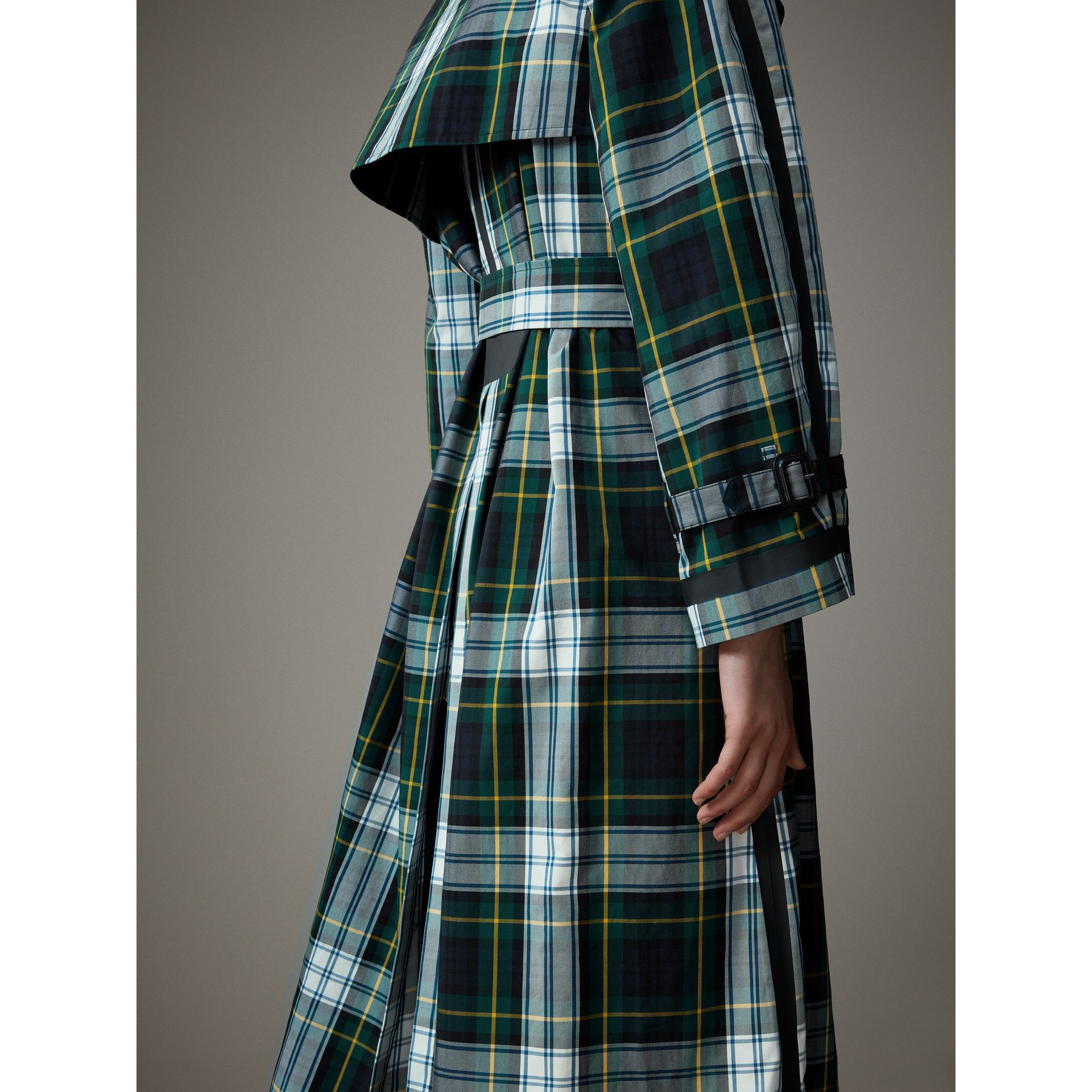 Tartan Cotton Gabardine Trench Coat in Ink Blue - Women | Burberry - gallery image 5