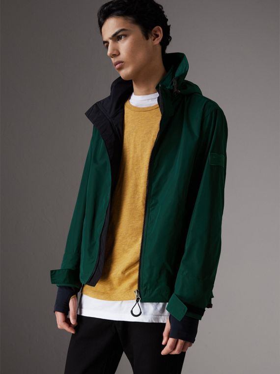 Packaway Hood Shape-memory Taffeta Jacket in Racing Green