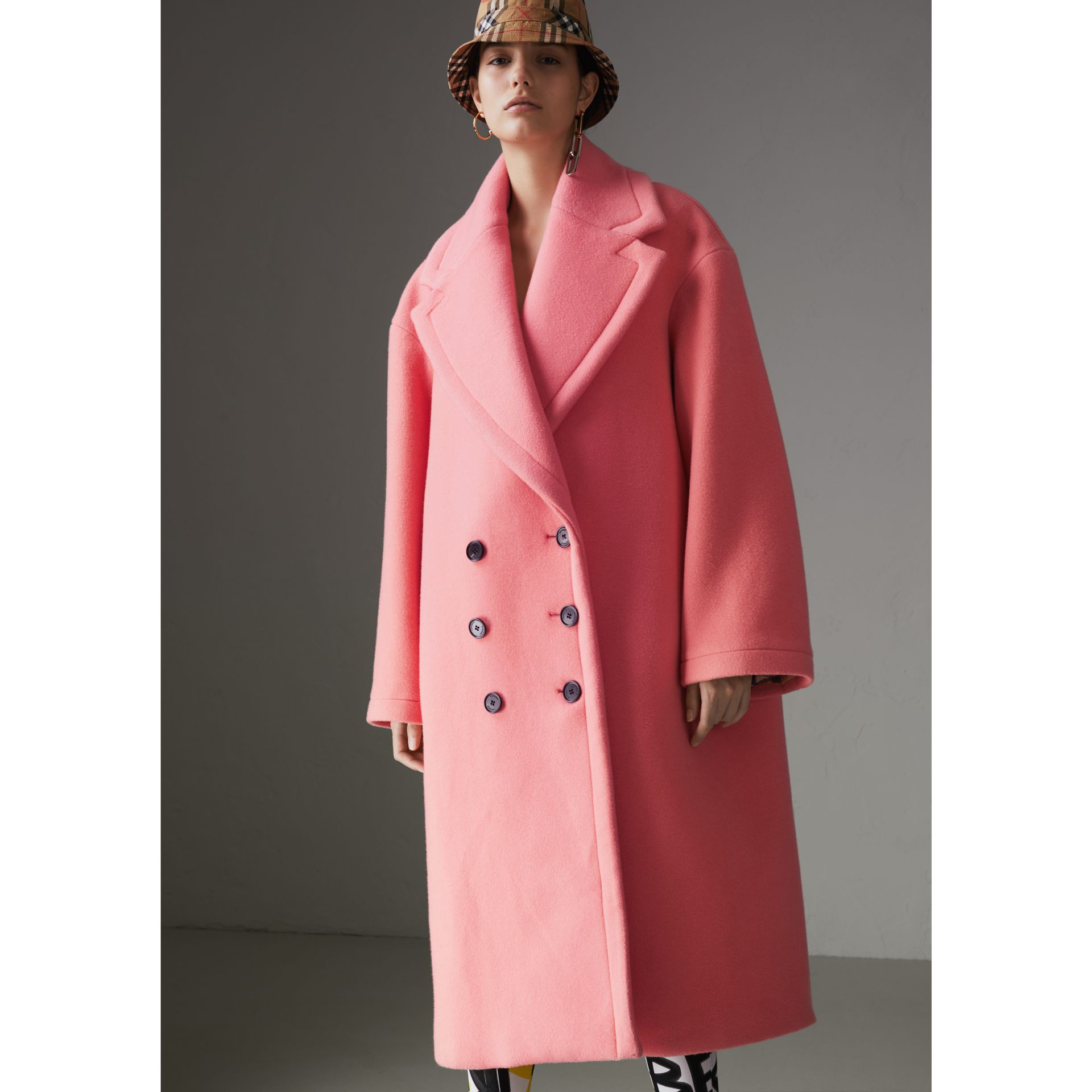 Manteau cocon en laine et cachemire double face (Rose Corail Vif) - Femme | Burberry - photo de la galerie 6