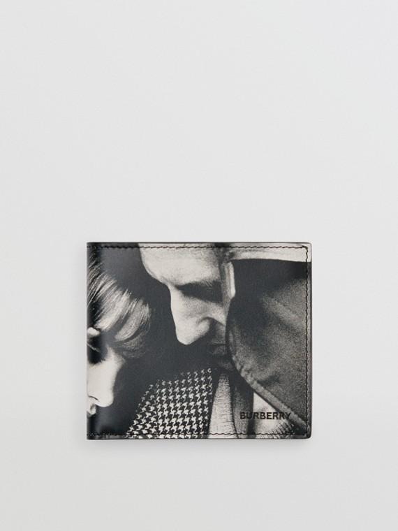 Portefeuille à rabat multidevise avec imprimé campagne d'archive (Noir/blanc)