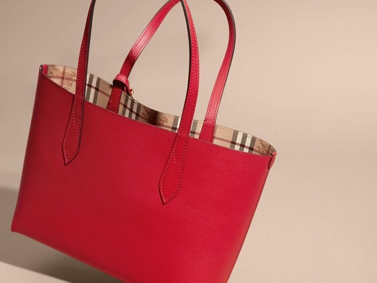 The Small Reversible Tote in Haymarket Check and Leather Poppy Red - cell image 4