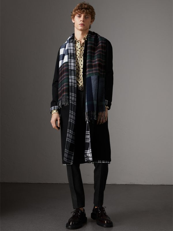 Check Merino Wool Scarf in Navy | Burberry - cell image 3
