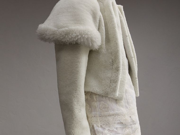 Cape-shoulder Cropped Shearling Jacket - cell image 4