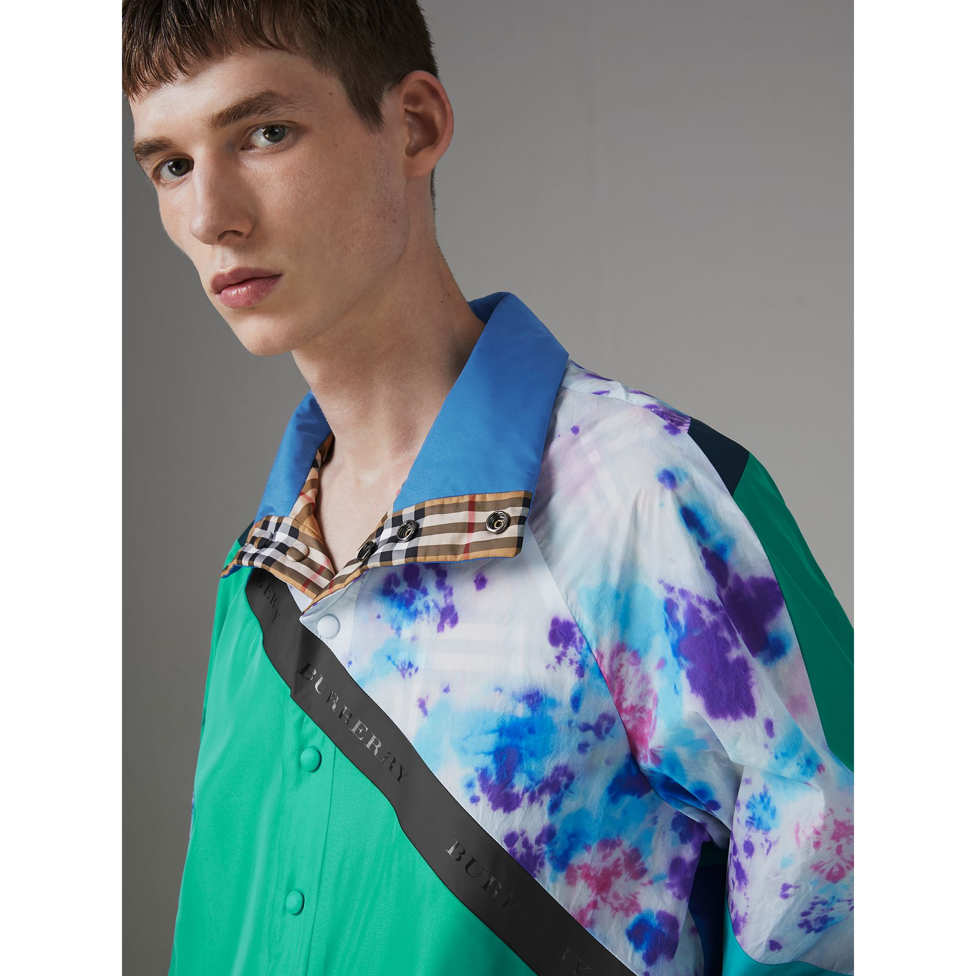 Reversible Tie-dye Silk Shell Suit Jacket in Turquoise | Burberry Canada - gallery image 1