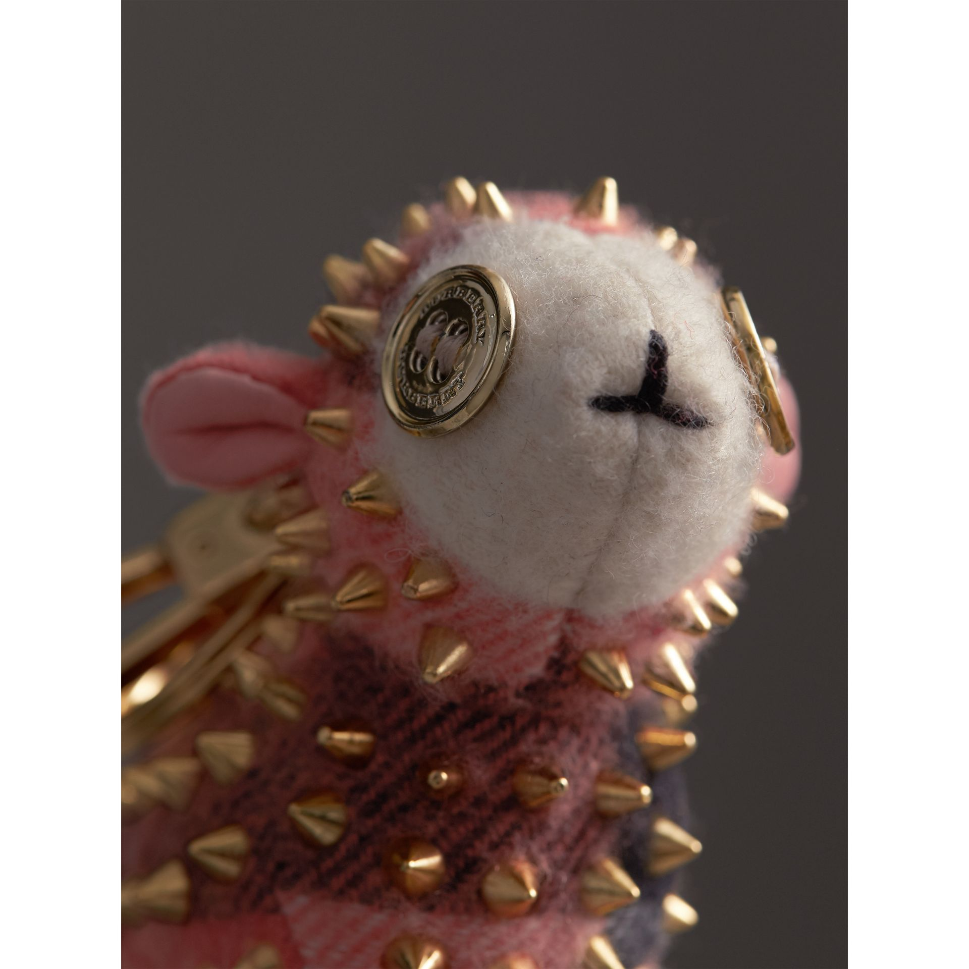 Ciondolo in cashmere Wendy The Sheep (Corallo) | Burberry - immagine della galleria 1