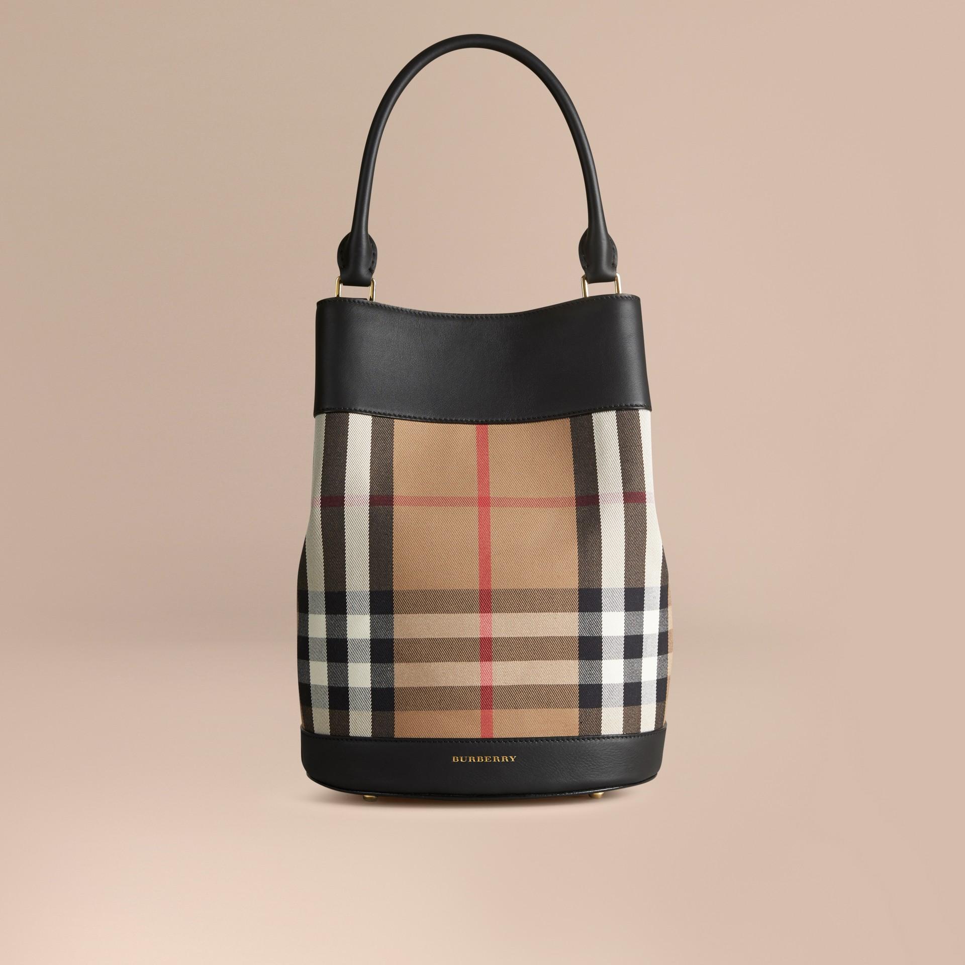 Noir Sac Burberry Bucket en coton à motif House check et cuir Noir - photo de la galerie 7