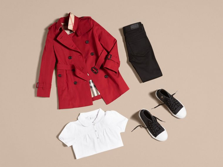 The Sandringham – Heritage Trench Coat in Parade Red - Girl | Burberry - cell image 4