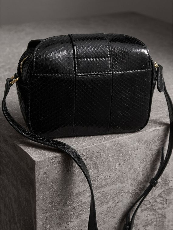 The Small Buckle Crossbody Bag aus Pythonleder (Schwarz) - Damen | Burberry - cell image 3