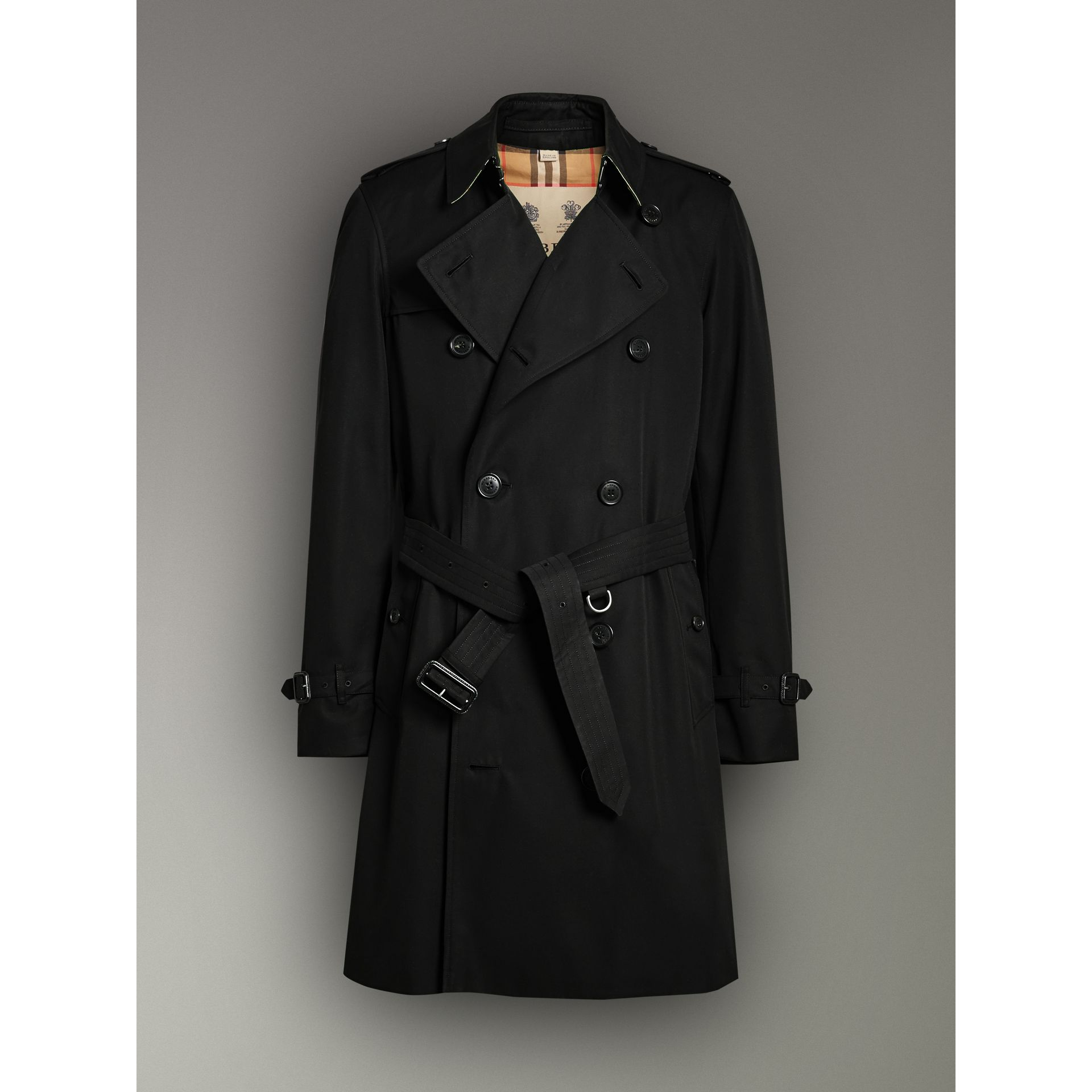 The Chelsea Heritage Trench Coat in Black - Men | Burberry United Kingdom - gallery image 3