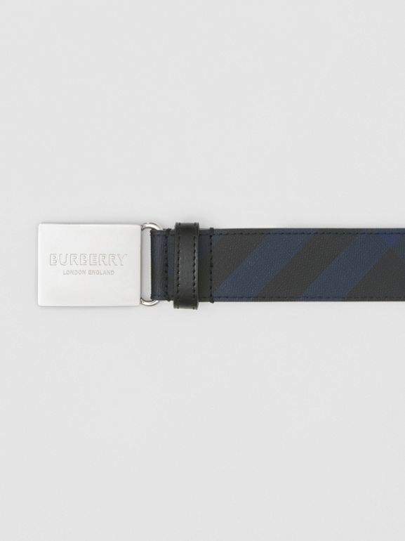 Plaque Buckle London Check and Leather Belt in Navy/black - Men | Burberry Canada - cell image 1