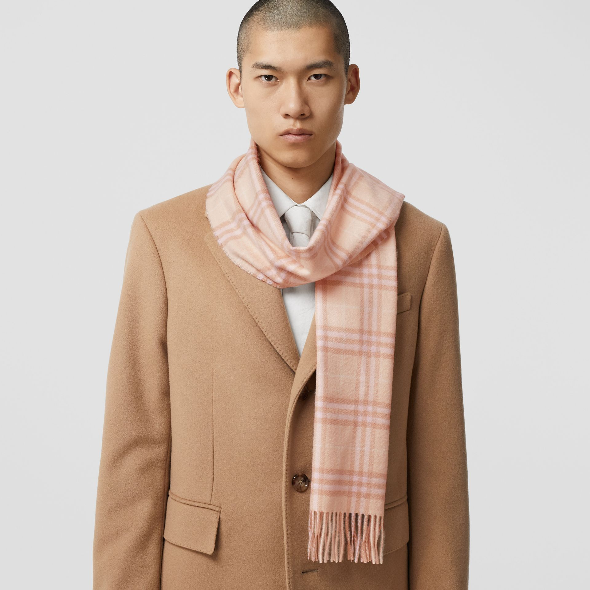 The Classic Vintage Check Cashmere Scarf in Dusty Pink | Burberry Singapore - gallery image 3