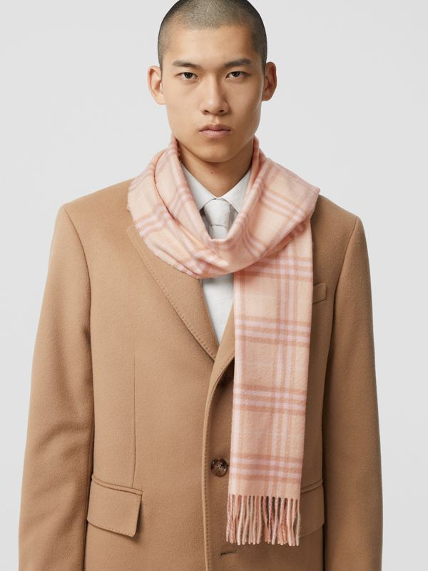 The Classic Vintage Check Cashmere Scarf in Dusty Pink | Burberry Singapore - cell image 3