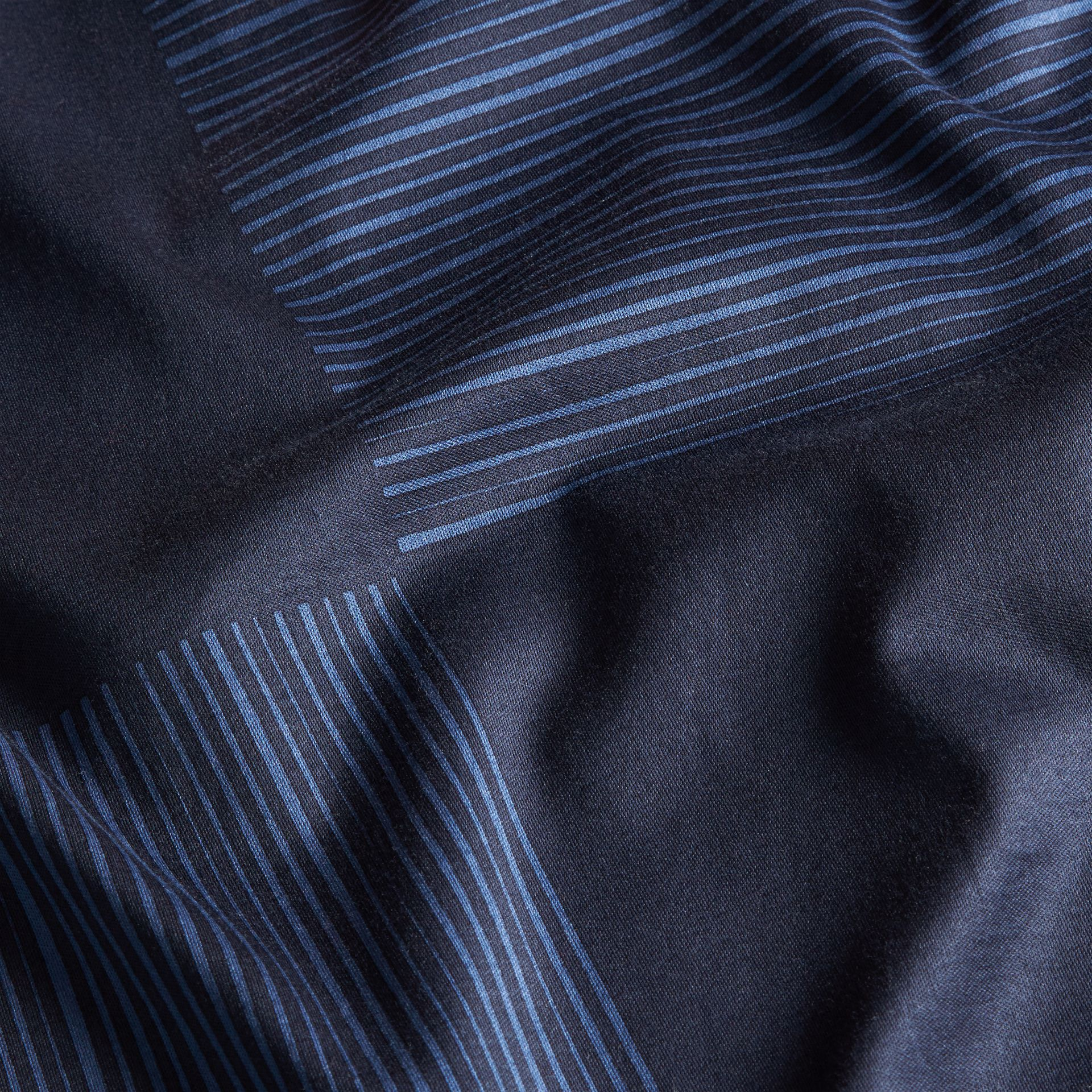 Navy T-shirt in cotone con motivo check stampato Navy - immagine della galleria 2