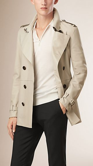 Trench coat in pelle