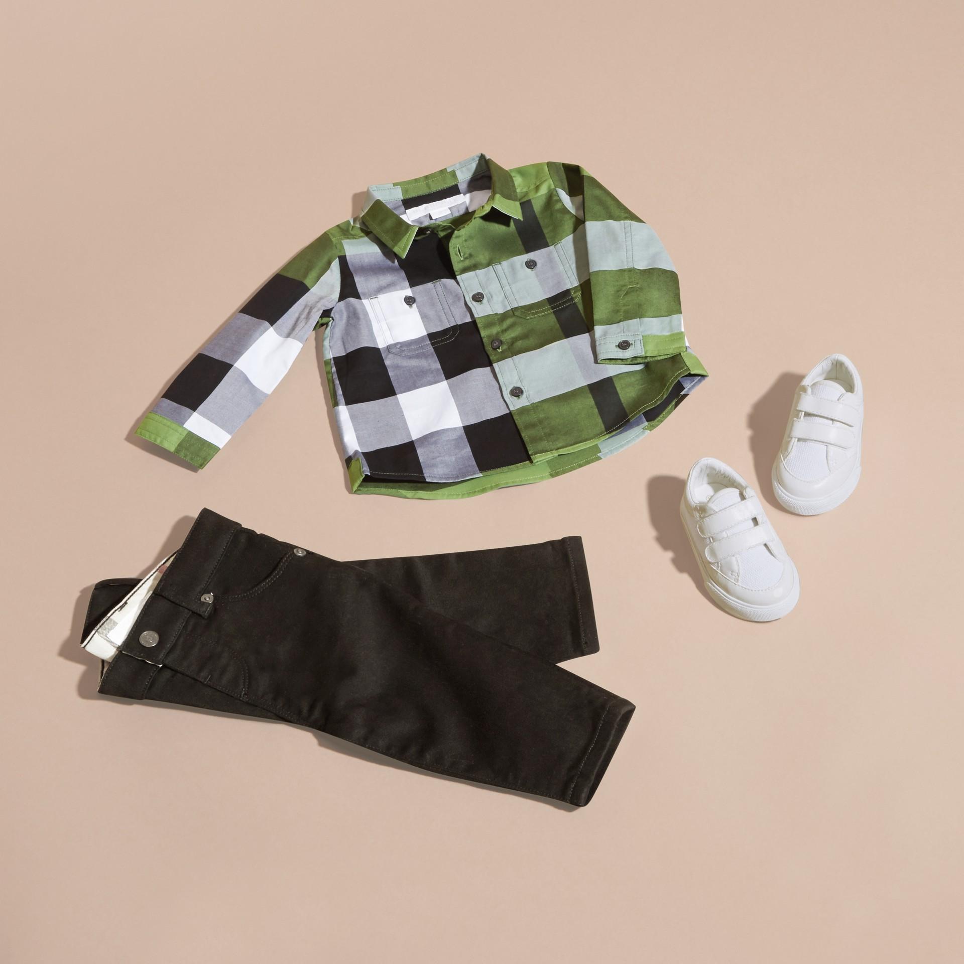 Verde felce brillante Camicia in cotone con motivo check Verde Felce Brillante - immagine della galleria 5