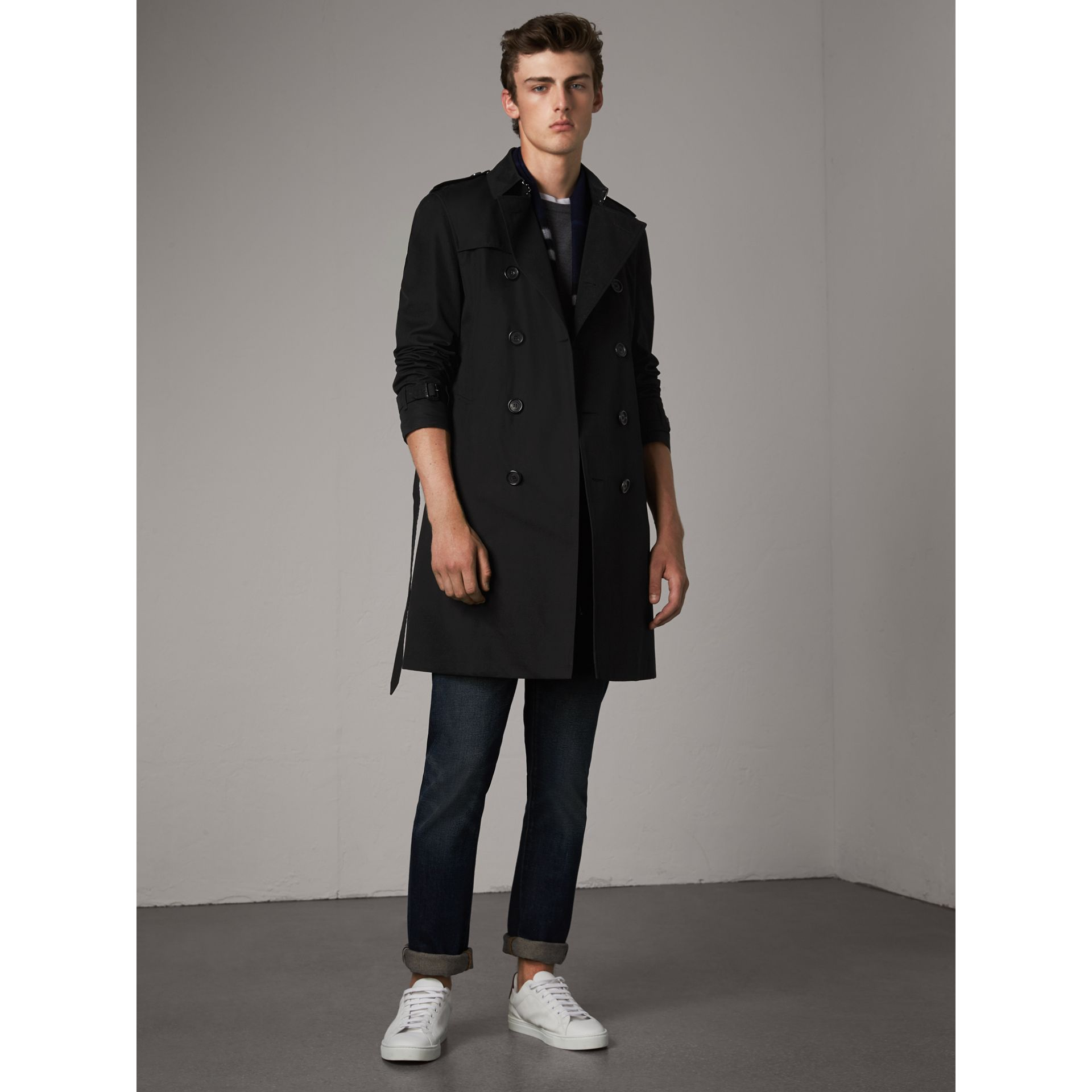 The Chelsea – Long Trench Coat in Black - Men | Burberry Hong Kong - gallery image 1