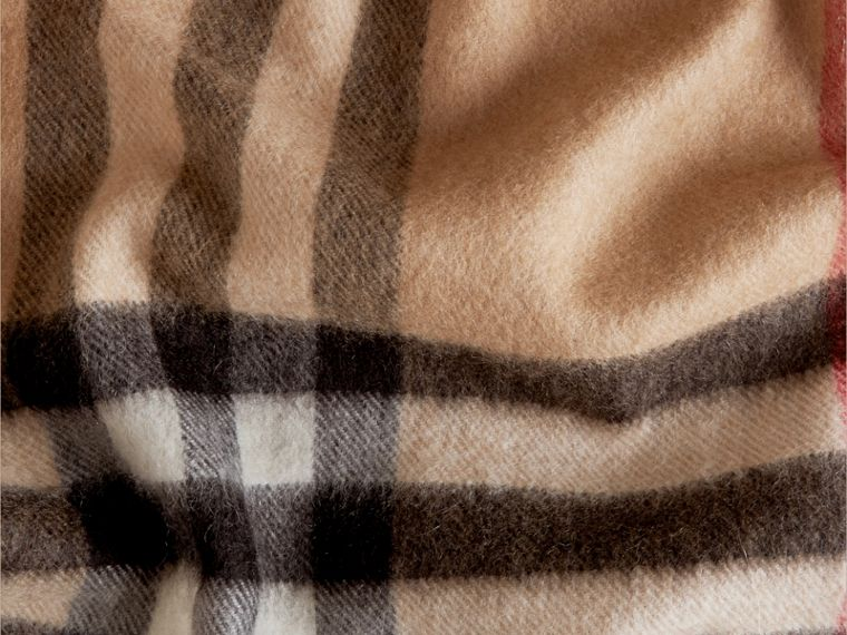 Camel check The Classic Cashmere Scarf in Check Camel - cell image 4
