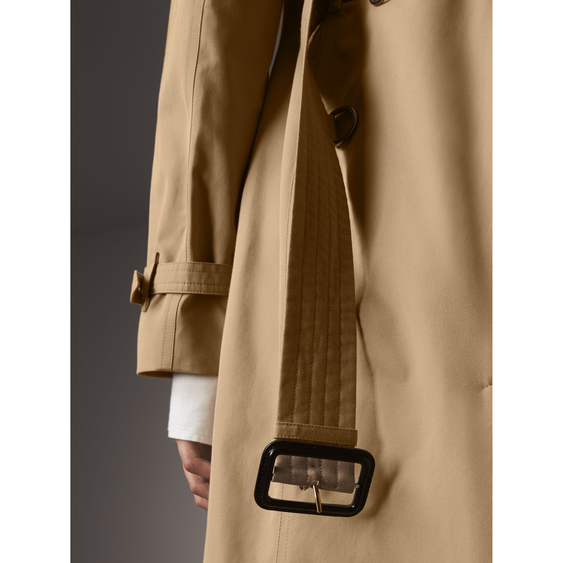The Kensington – Extra-long Trench Coat in Honey - Women | Burberry Australia - gallery image 6