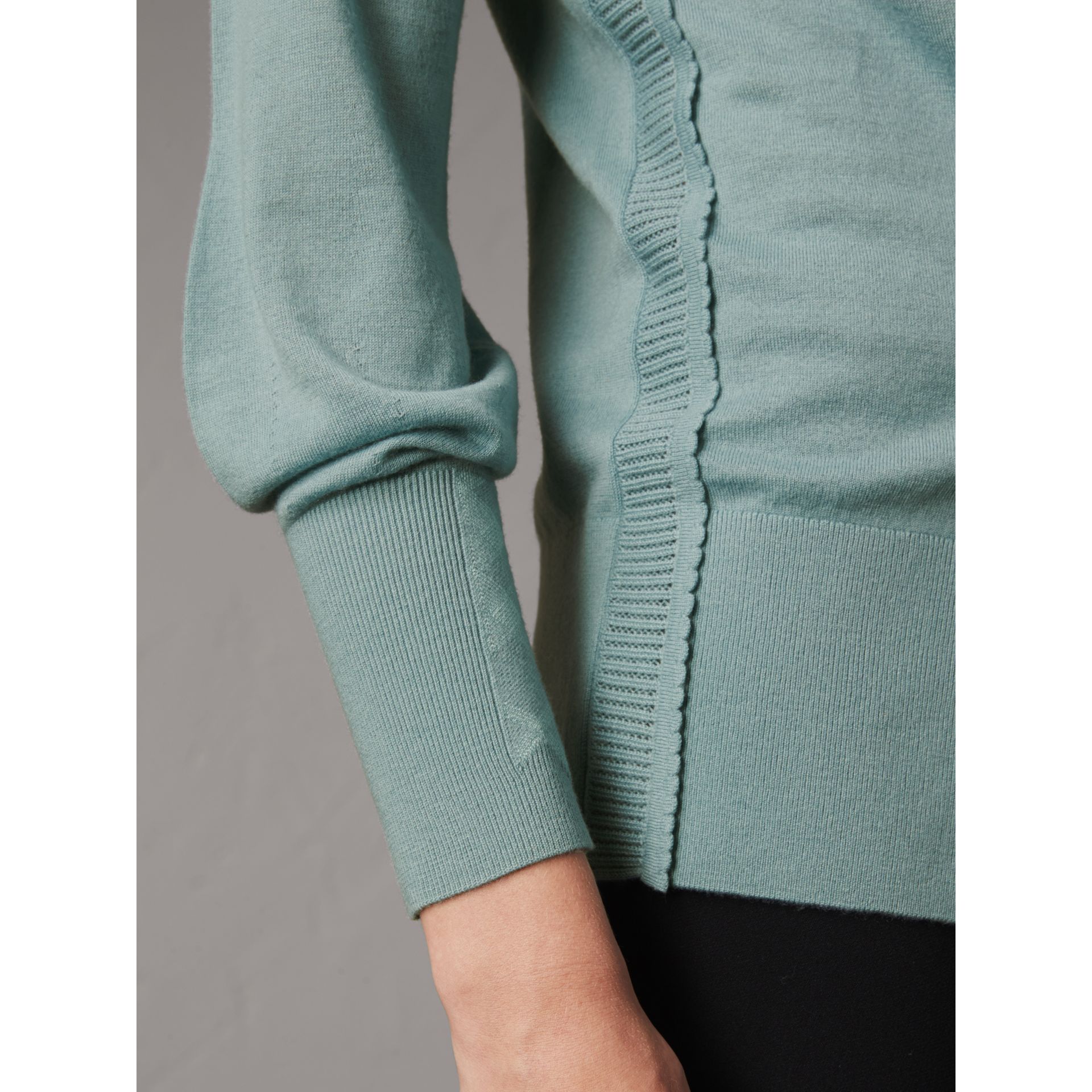 Open-knit Detail Cashmere Cardigan in Eucalyptus Green - Women | Burberry United Kingdom - gallery image 2