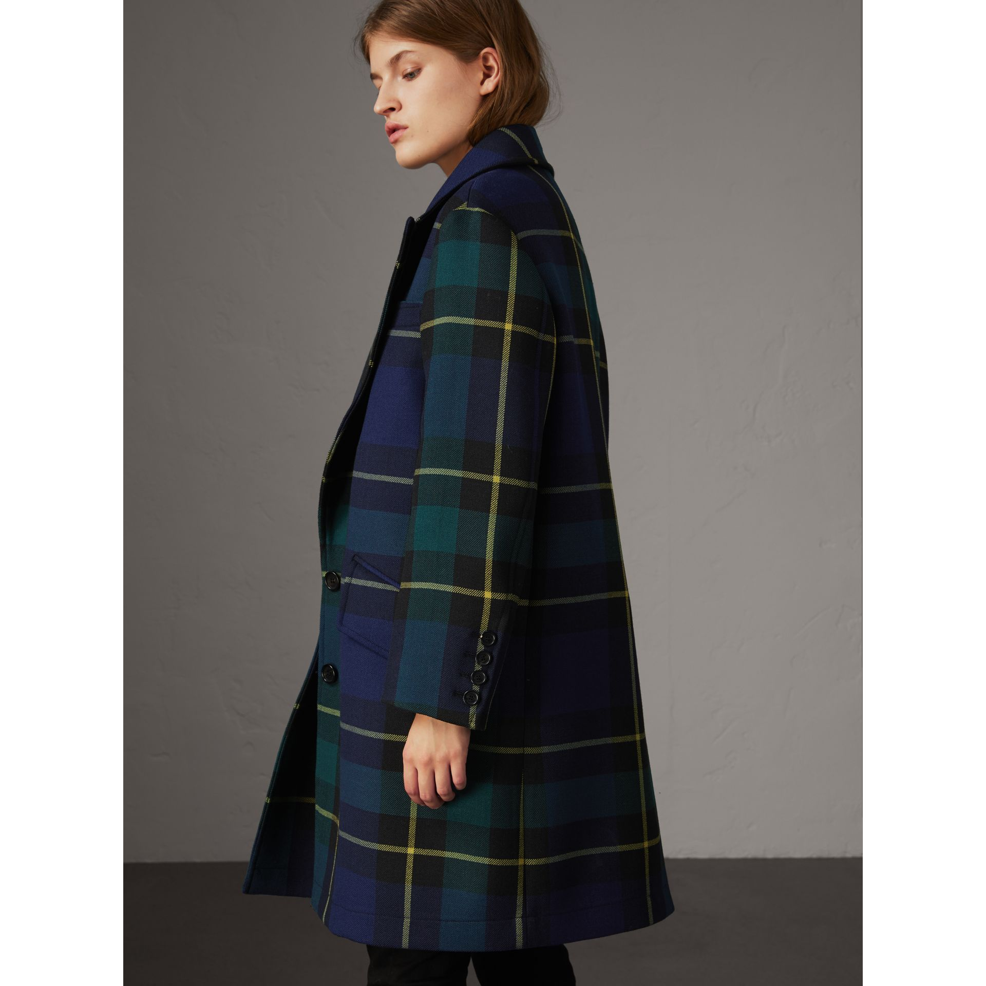 Lightweight Tartan Wool Tailored Coat in Pine Green - Women | Burberry United Kingdom - gallery image 3
