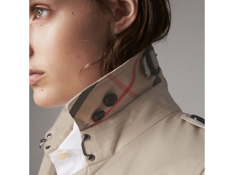 The Kensington – Long Heritage Trench Coat in Stone - Women | Burberry - cell image 1