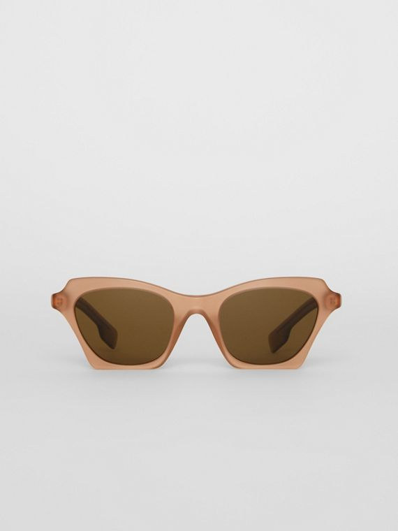 Butterfly Frame Sunglasses in Brown