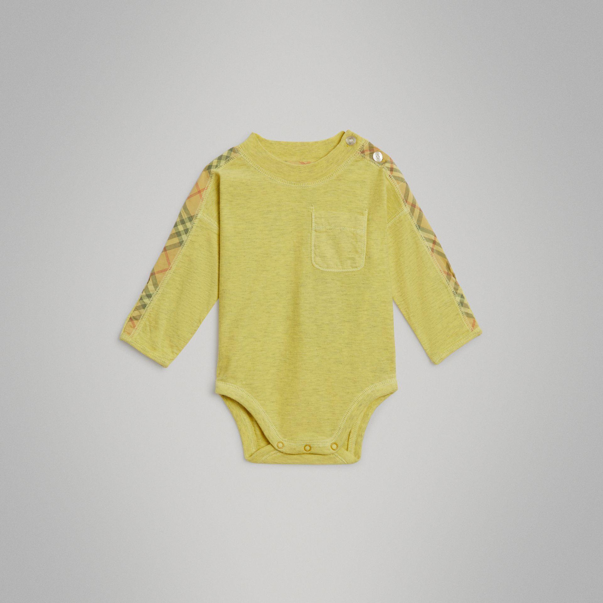 Check Cotton Three-piece Baby Gift Set in Multicolour - Children | Burberry - gallery image 2