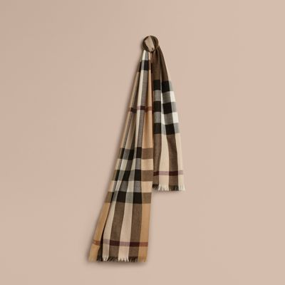 lightweight check wool scarf in camel burberry