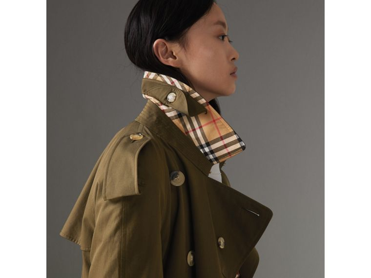 The Long Westminster Heritage Trench Coat in Dark Military Khaki - Women | Burberry - cell image 4