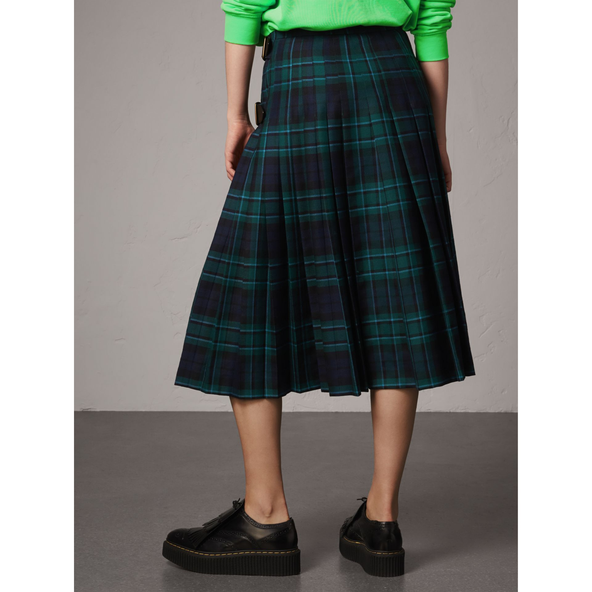 Tartan Wool Kilt in Pine Green - Women | Burberry - gallery image 2