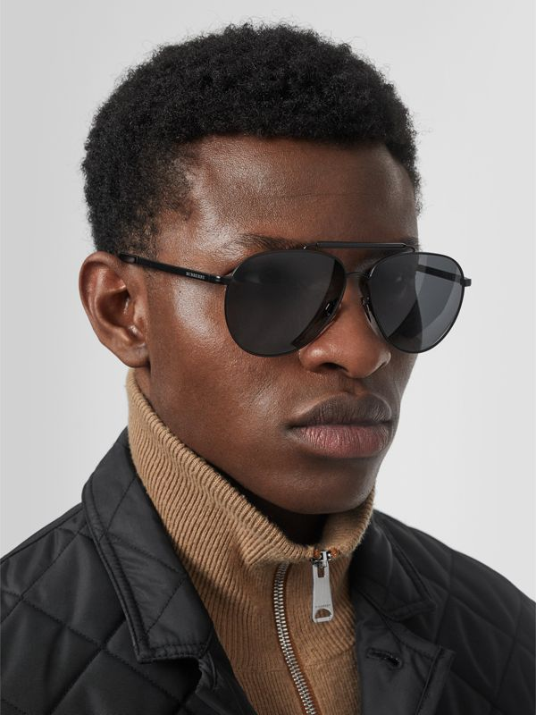 Top Bar Detail Pilot Sunglasses in Black - Men | Burberry United Kingdom - cell image 2