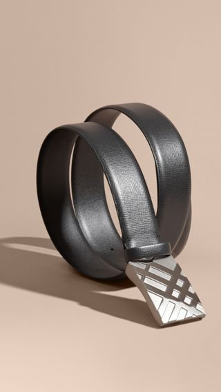 Embossed Check Detail London Leather Belt