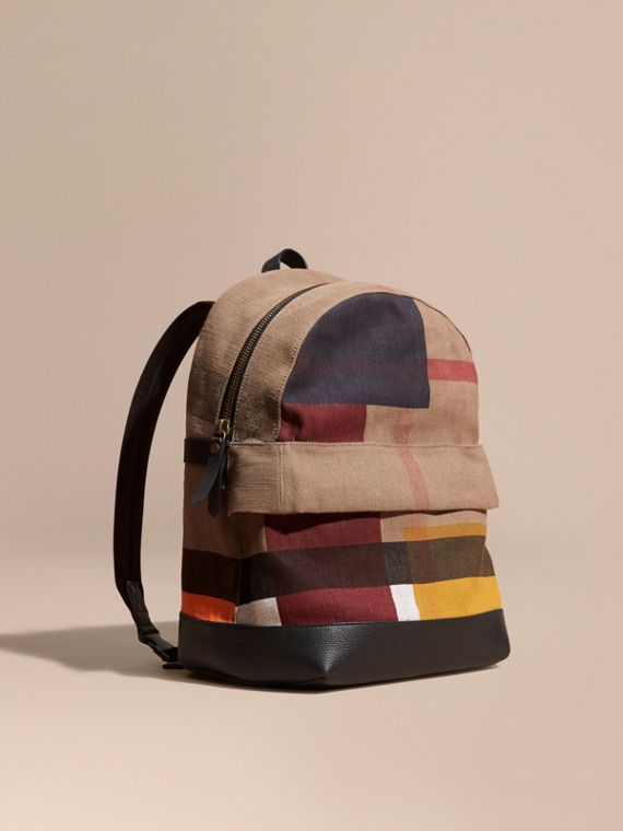 Rucksack in Canvas Check und Colour-Blocking