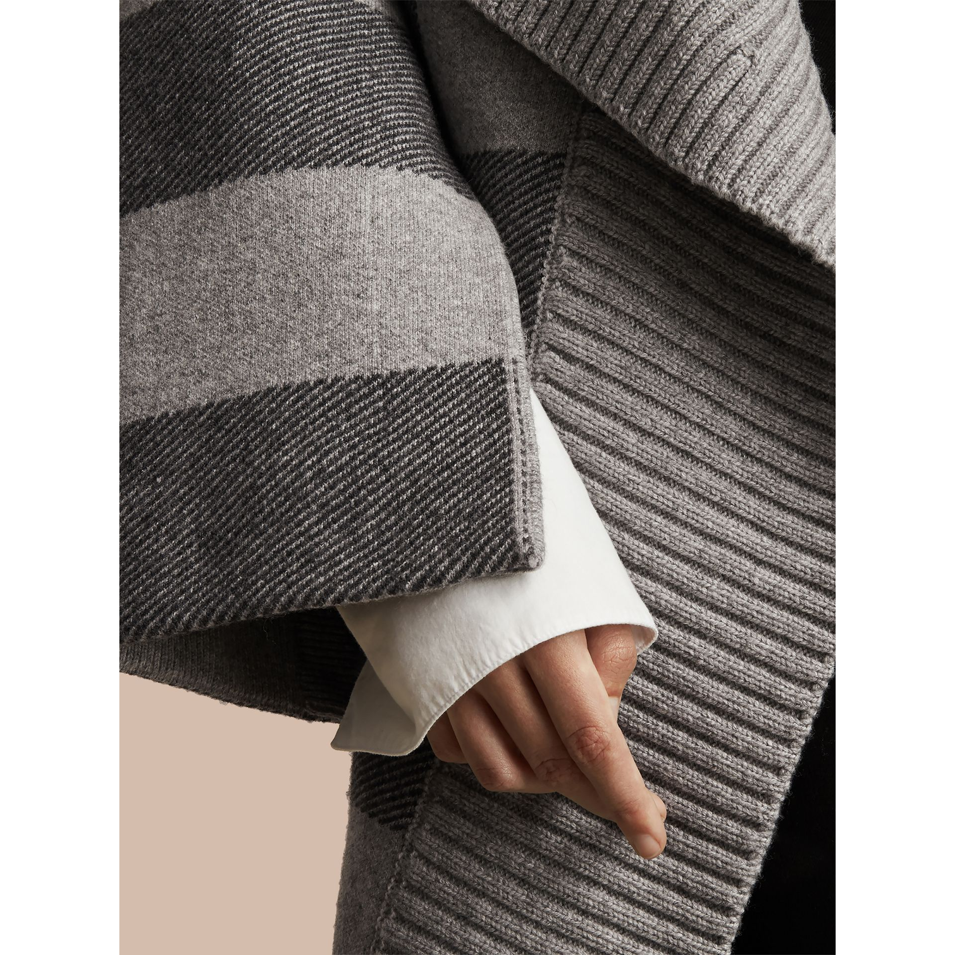 Check Wool Cashmere Blend Cardigan Coat in Pale Grey Melange - Women | Burberry - gallery image 2