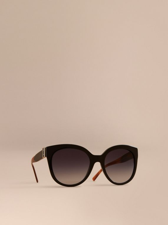 Buckle Detail Cat-eye Frame Sunglasses in Black - Women | Burberry Canada