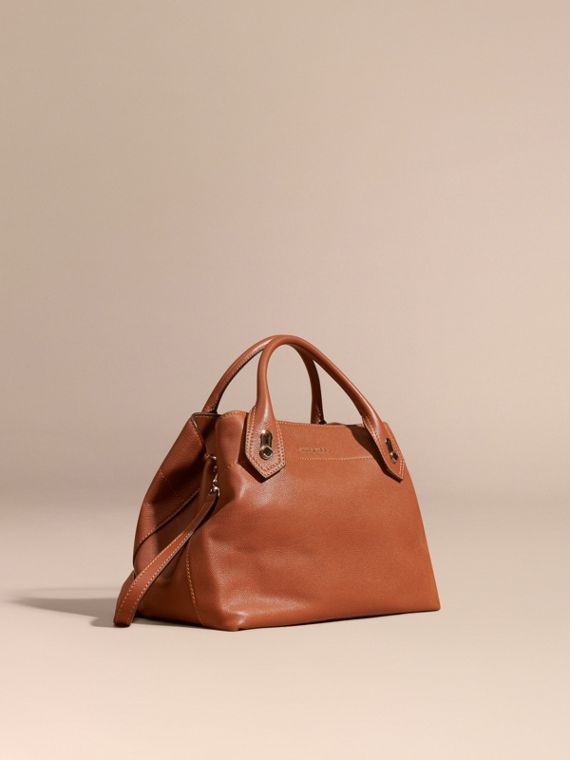 The Medium Milton in Grainy Leather Bright Toffee